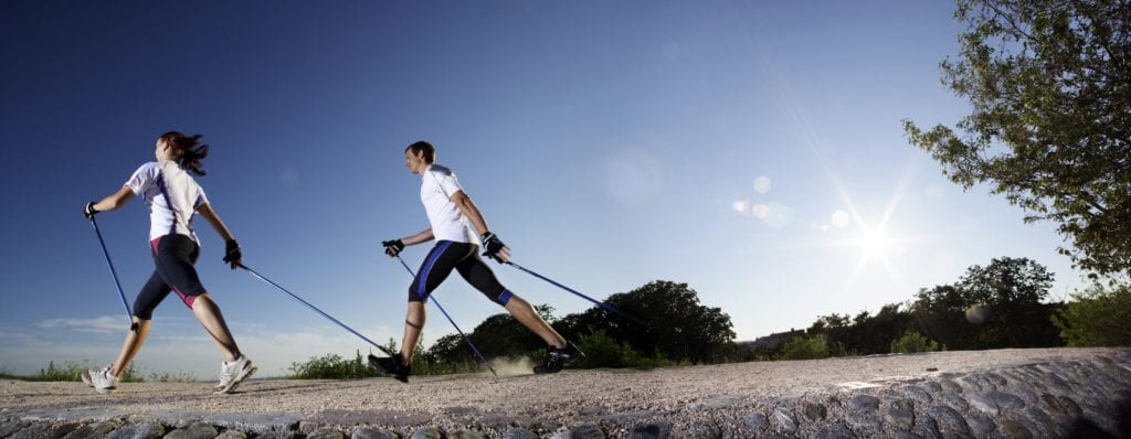 Nordic-walking-bij-FeelGoodClub-AeroFitt